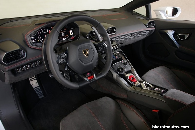 lamborghini huracan is the first to make use of audi s virtual cockpit. Black Bedroom Furniture Sets. Home Design Ideas