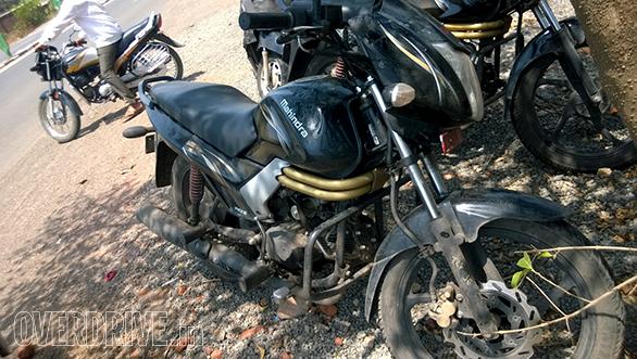 Mahindra-Centuro-disc-brake