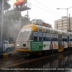 cars-crashed-driverless-tram-calcutta-001