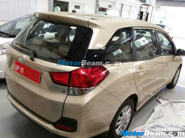 honda-mobilio-mpv-india-rear