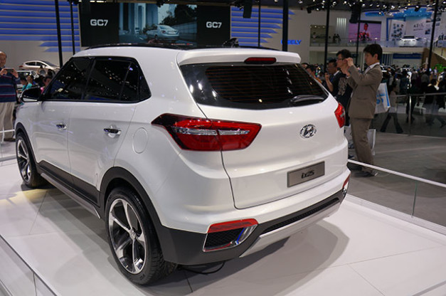 hyundai-ix25-compact-suv-india-rear-view