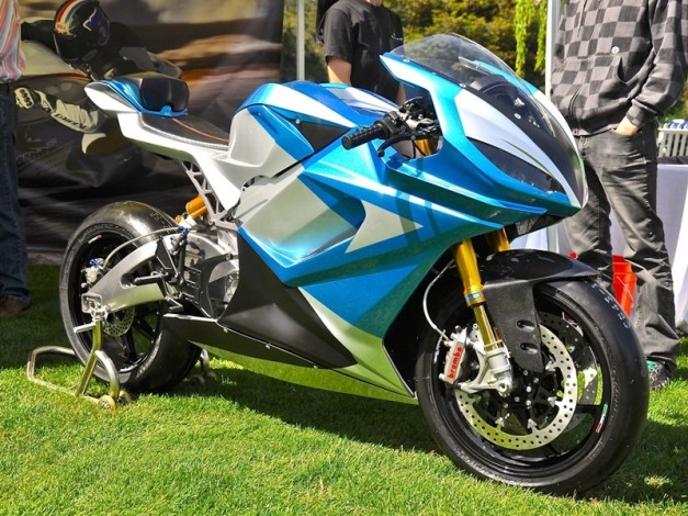 worlds-fastest-electric-motorcycle-lightning-is-218