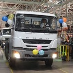 daimler-left-hand-drive-fuso-trucks-india-export