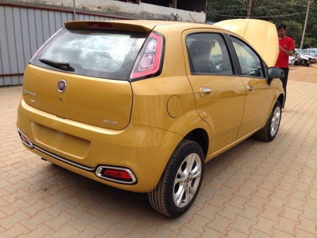 fiat-punto-facelift-rear-view