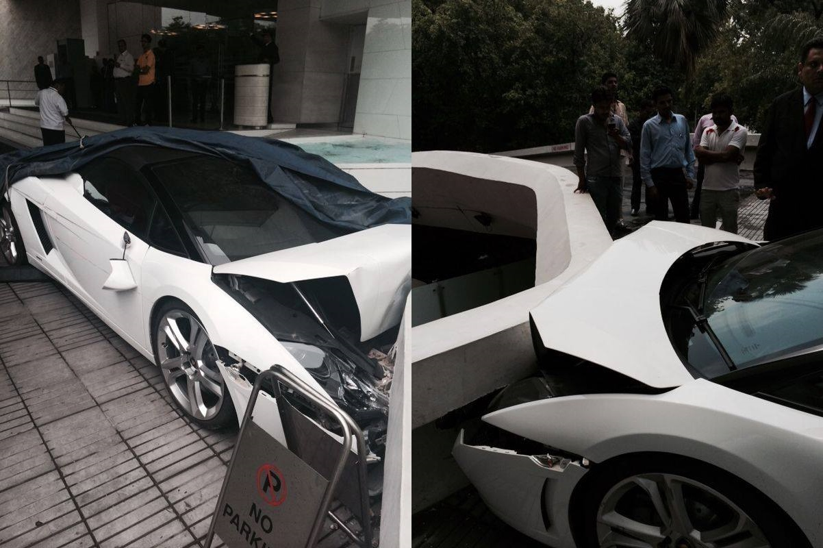 hotel-valet-crashed-lamborghini-gallardo-spyder-new-delhi-002