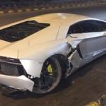 lamborghini-aventador-supercar-accident-new-delhi