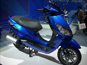 bajaj-blade-125-gearless-scooter-india