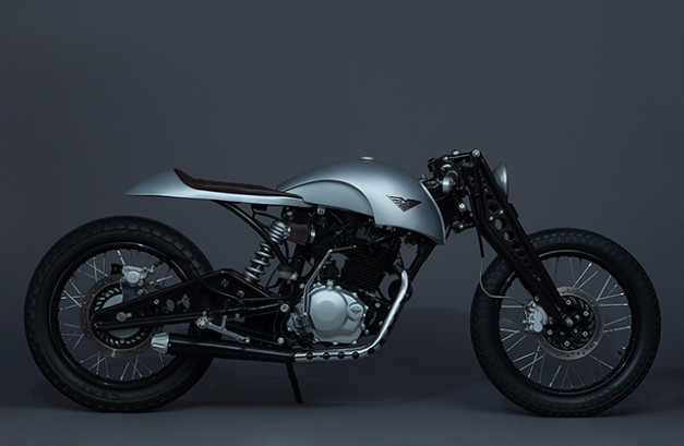 karizma-cafe-racer-silver-mean-green-customs-side-view