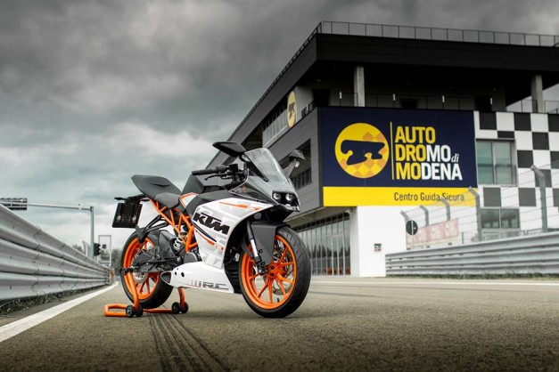 ktm-rc390-rc200-delivery-india