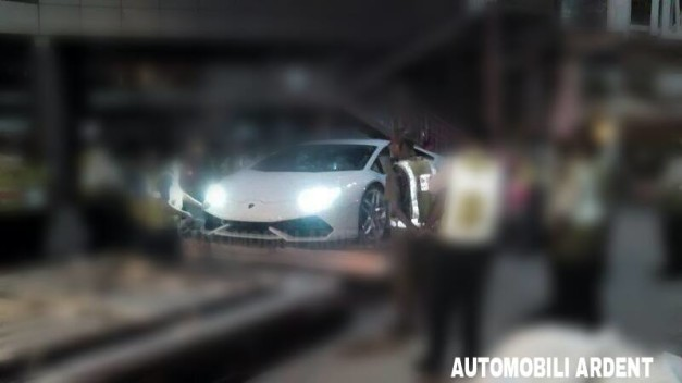 lamborghini-huracan-launch-india-side-view