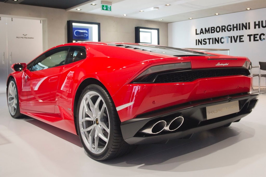 Lamborghini Huracan Lp 610 4 Launched In India Rs 3 43 Crore Ex