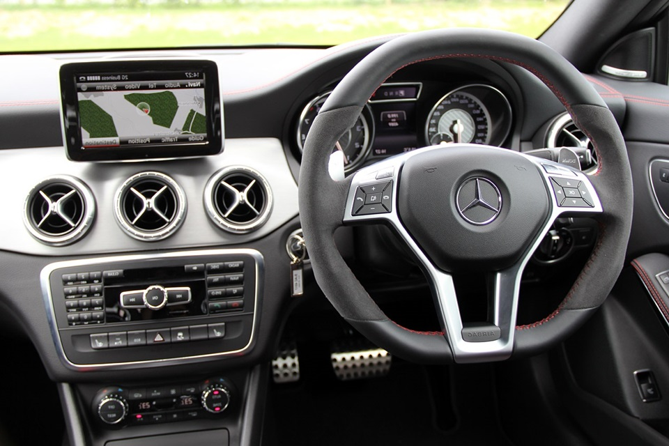 mercedes benz cla 45 amg launched in india price starts from rs 68 5 lakh. Black Bedroom Furniture Sets. Home Design Ideas
