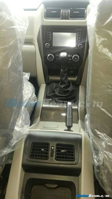 Spyshots Mahindra Scorpio Facelift New Gen Reveals Interior