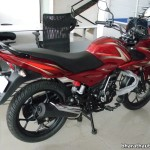 2014-bajaj-discover-150f-rear