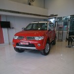 mitsubishi-pajero-sport-dual-tone-flame-red-white-limited-edition-011