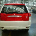 mitsubishi-pajero-sport-dual-tone-flame-red-white-limited-edition-015