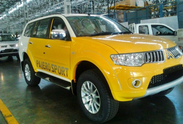 mitsubishi-pajero-sport-dual-tone-lemon-yellow-white