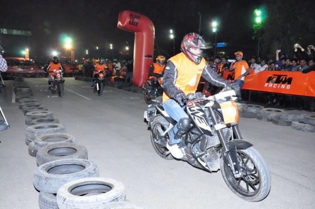 2014-ktm-orange-day-delhi-003