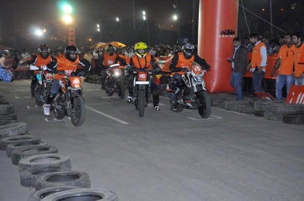 2014-ktm-orange-day-delhi-004