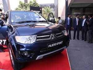 mitsubishi-pajero-sport-4x2-automatic-launched-details-price-pics