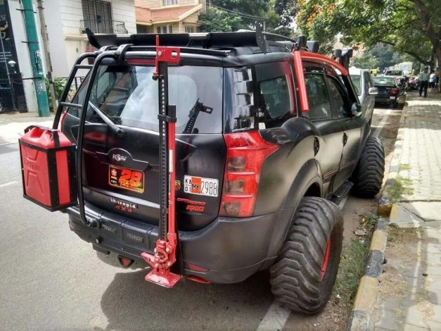 modified-mahindra-xuv500-bangalore-rear