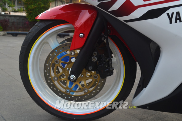 modified-yamaha-yzf-r25-indonesia-dual-front-discs