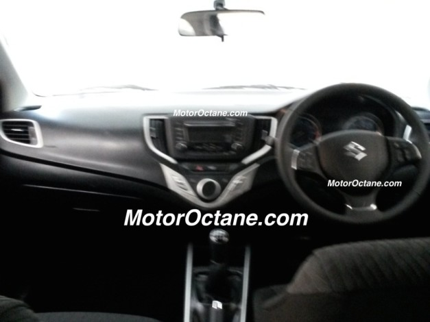 spied-maruti-yra-premium-hatchback-z-manual-variant