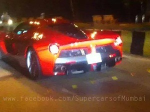 spotted-in-mumbai-first-ferrari-laferrari-in-india