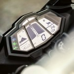 2014-Yamaha-YZF-R125-dashboard-detail-India
