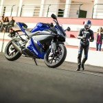 2014-Yamaha-YZF-R125-front-three-quarter-detail-India