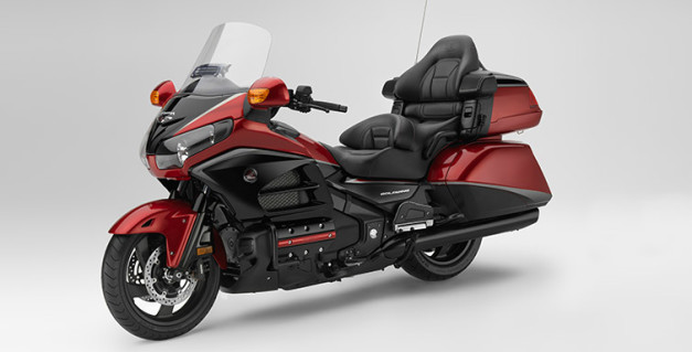 2015-honda-gold-wing-40th-anniversary-edition-india-front