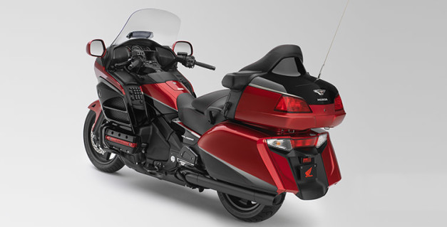 2015-honda-gold-wing-40th-anniversary-edition-india-rear