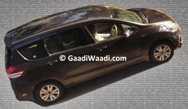2015-maruti-ertiga-facelift-spied-rear
