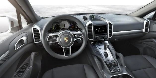 2015-porsche-cayenne-facelift-india-dashboard