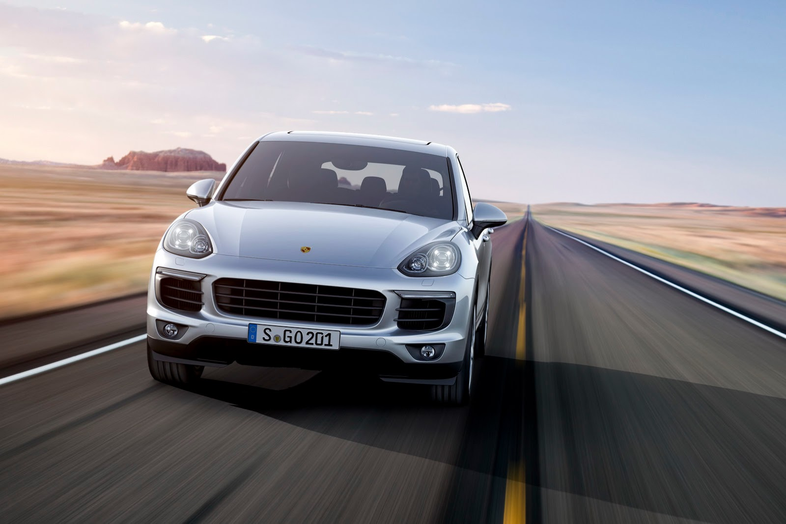 2015 Porsche Cayenne Launched In India Price Starts From Rs 1 02 Crores