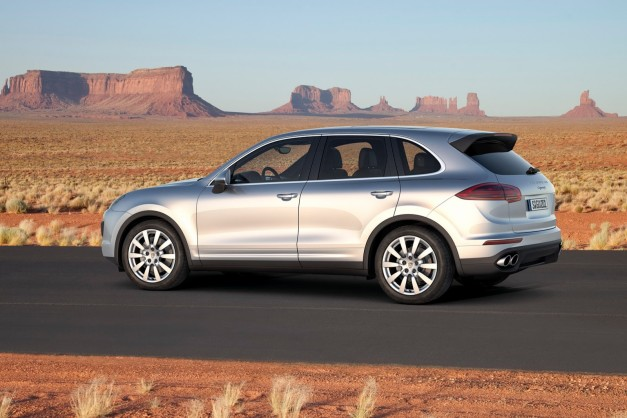 2015-porsche-cayenne-facelift-india-side