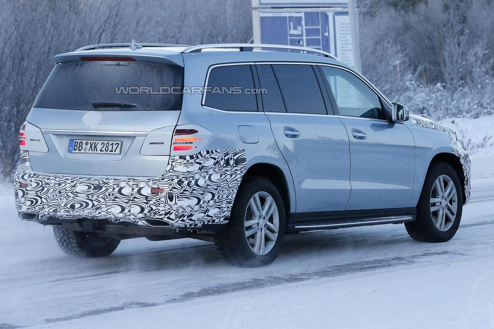 Spyshots Mercedes Benz Gls Suv Previously Gl Facelift In The Snow
