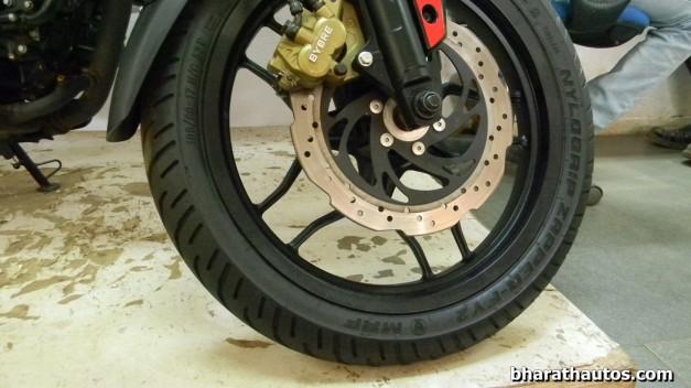 bajaj-pulsar-200ns-dump-eurogrip-tyres-new-mrf-tyres