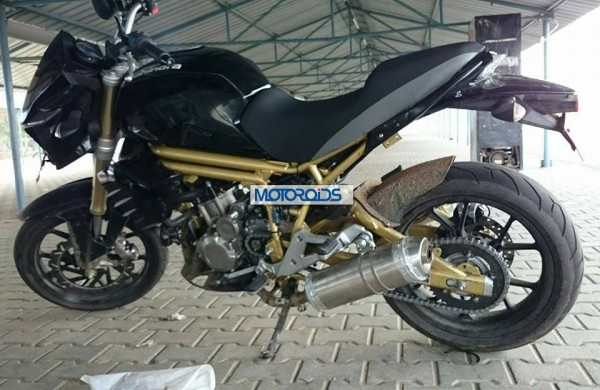 mahindra-mojo-300-left-side.