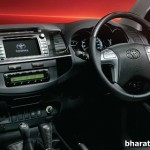 2015-updated-toyota-fortuner-4x4-at-all-new-black-dashboard