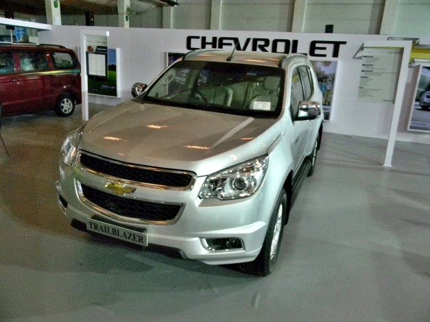 chevrolet-trailblazer-india-front