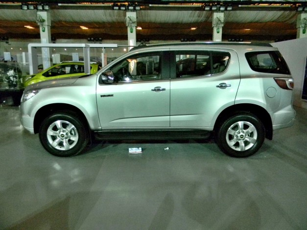 chevrolet-trailblazer-india-side