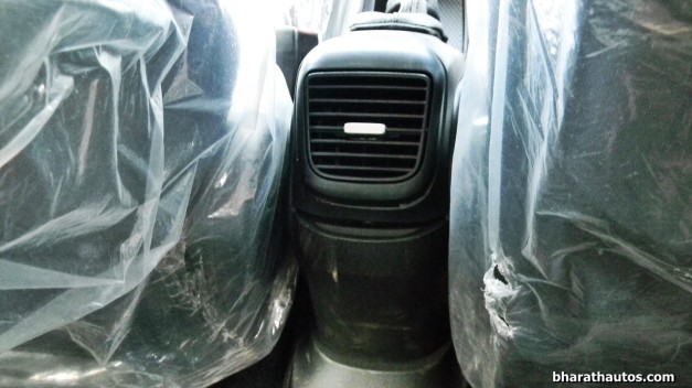fiat-punto-evo-rear-ac-vents