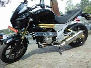 mahindra-mojo-300-production-model-spied