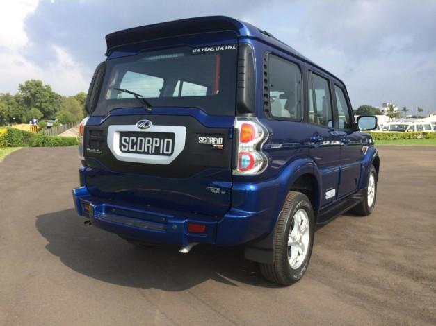 new-mahindra-scorpio-rear
