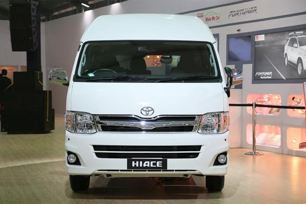 toyota-hiace-10-seater-van-front