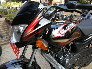 bajaj-platina-100-es-launched-in-india