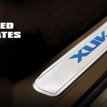 mahindra-xuv500-xclusive-edition-illuminated-scuff-plate