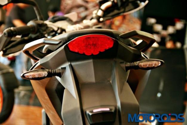 new-2015-ktm-390-duke-tail-lamps