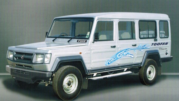 Force-Trax-Toofan-11-seater